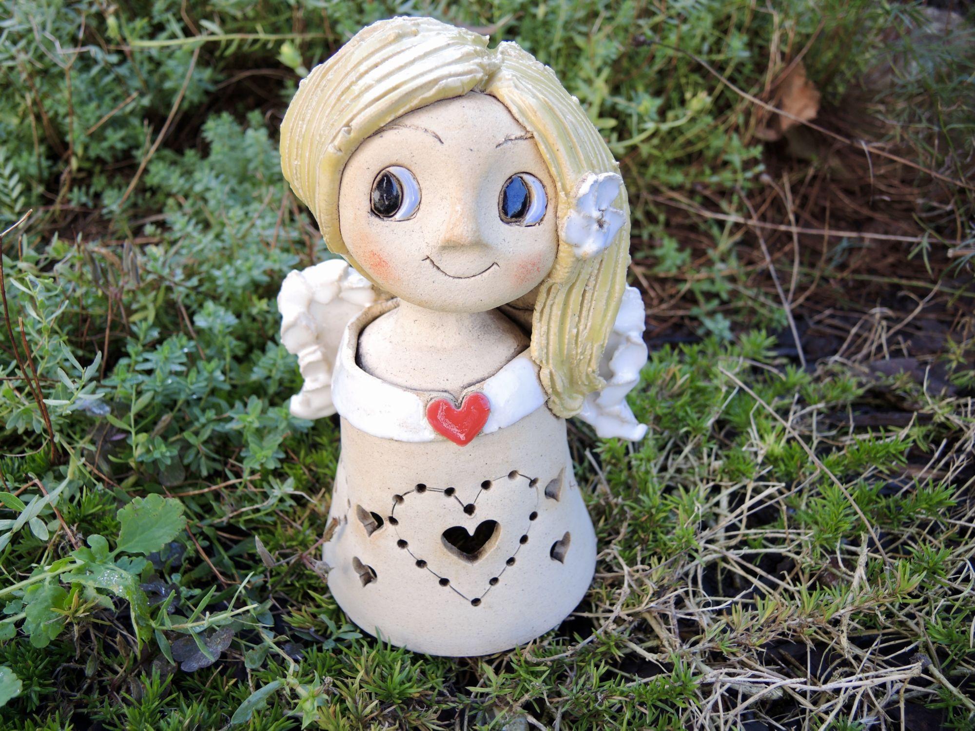 Andělka lampička se srdíčkem světlo svíčka keramika andee