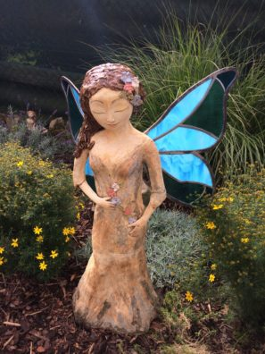 motýlí víla, křídla vitrář kovářská keramika andee socha
