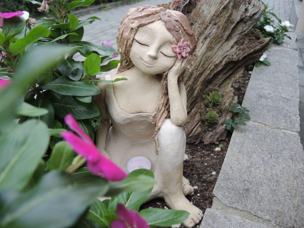 harmonie, relax, uklidnění, meditace, snová, zasněná socha dekorace, svícen socha dívka keramika andee