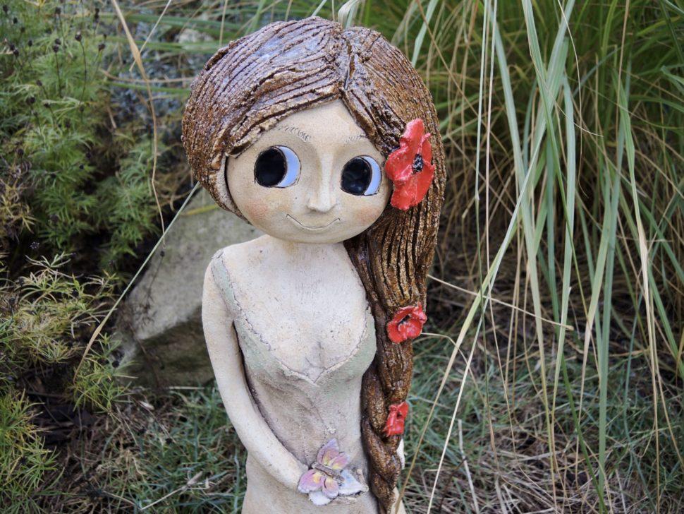 víla vlčí mák květiny cop figura socha dozahrady keramika andee
